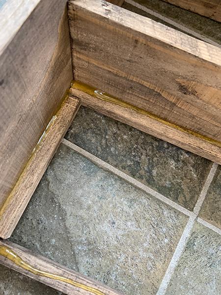 アクリル板と木材の接着